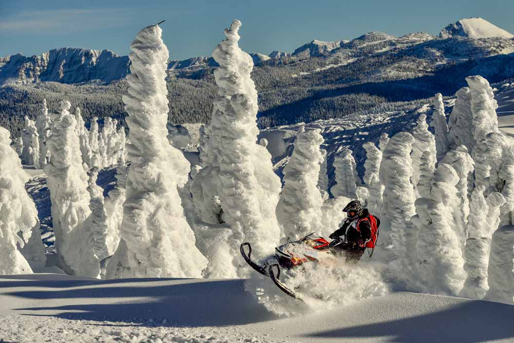 Revelstoke/Snowmobiling/Great Canadian/Action